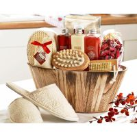 Winter in Venice Rich Plum Pampering Gift Set in Wooden Bowl