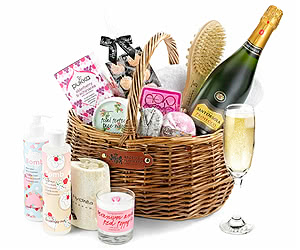 Sparkling Prosecco Luxury Pampering Set in Gift Basket