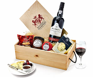 Port & Stilton Favourites in Wooden Box