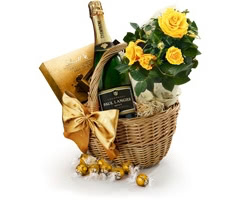 The Roses, Chocolate & Champagne Hamper