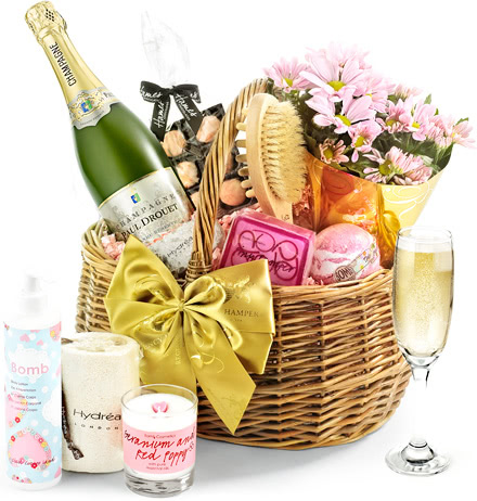 Champagne & Flowers Pampering Set in Gift Basket