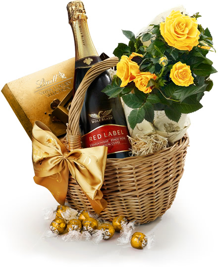 The Roses, Chocolate & Sparkling Wine Hamper